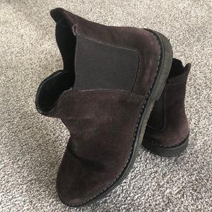 Vince dark brown shearling lined Chelsea boots
